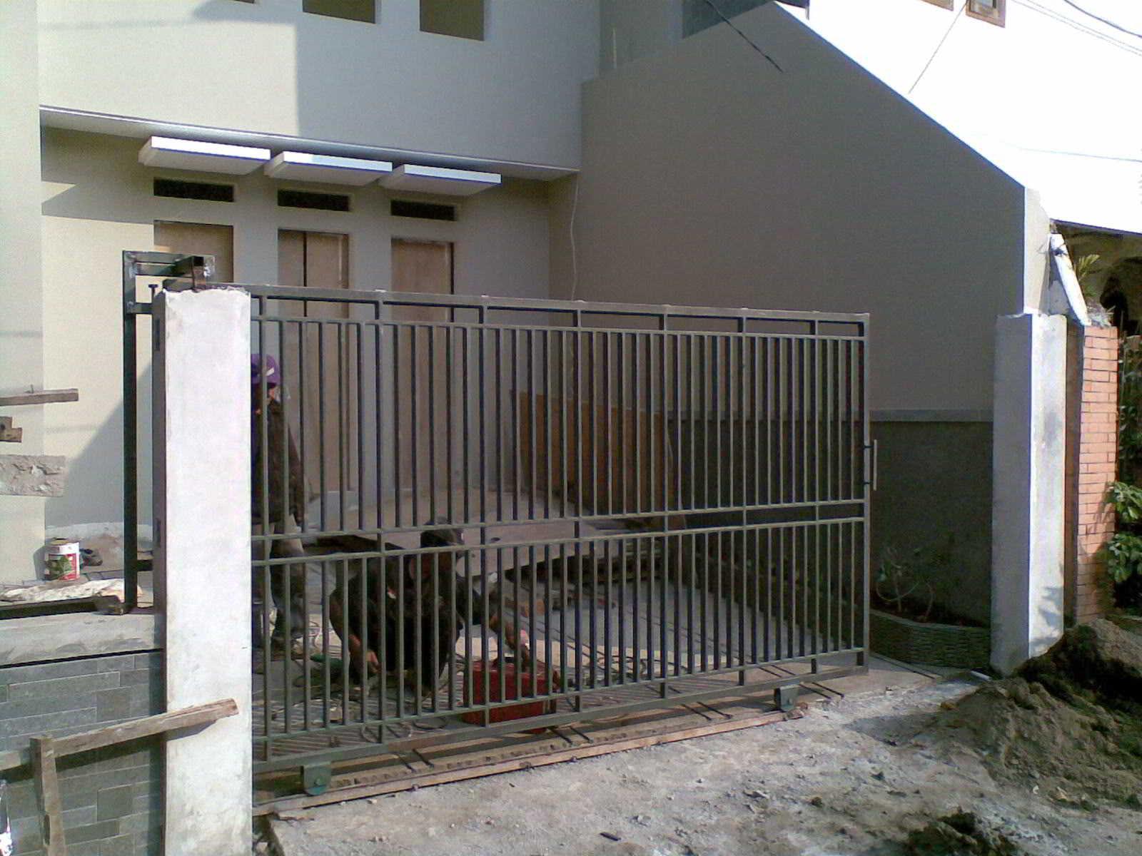 60 model desain pintu pagar rumah  minimalis terbaru kayu