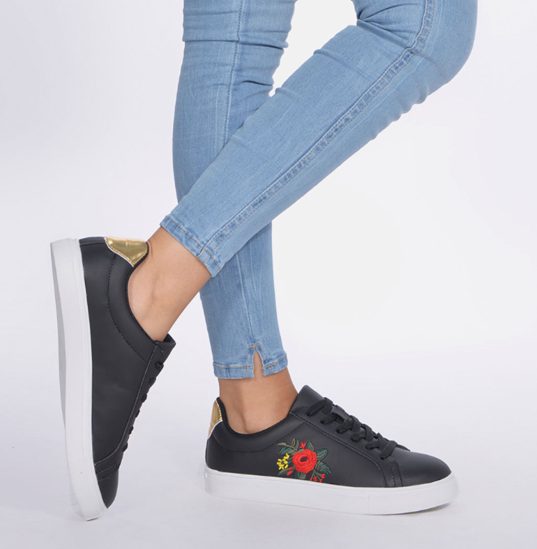 Fitness And Chicness-Calzado Negro-Zapatillas