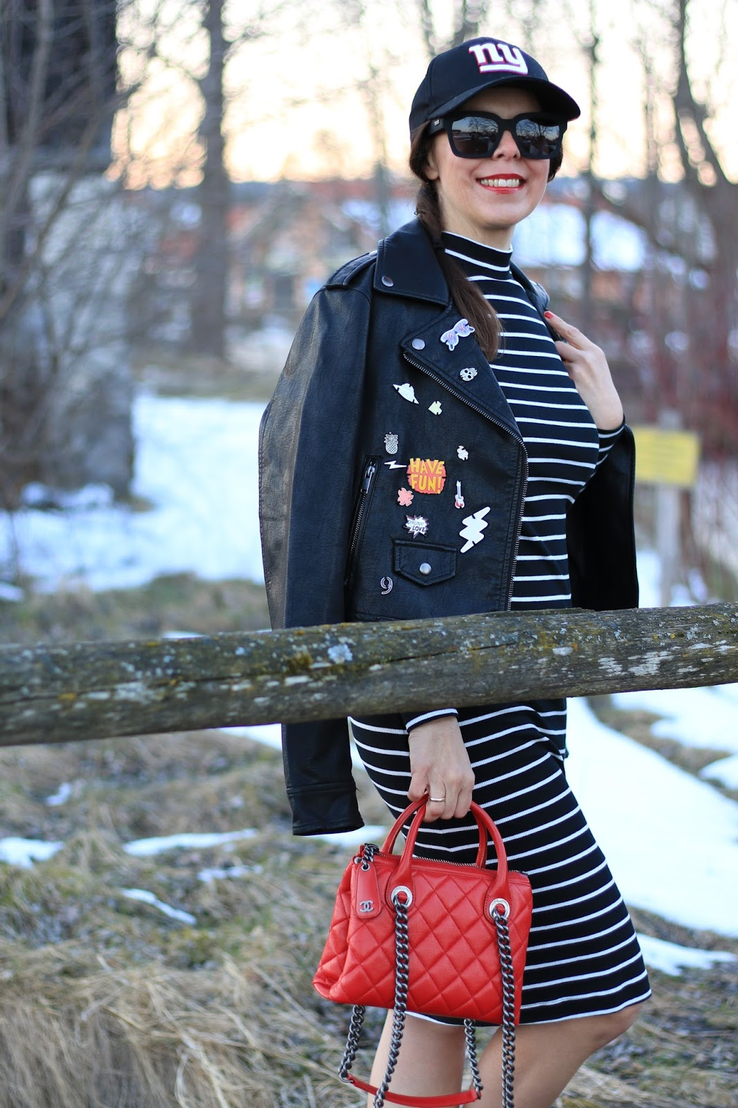 Outfit red Chanel bag