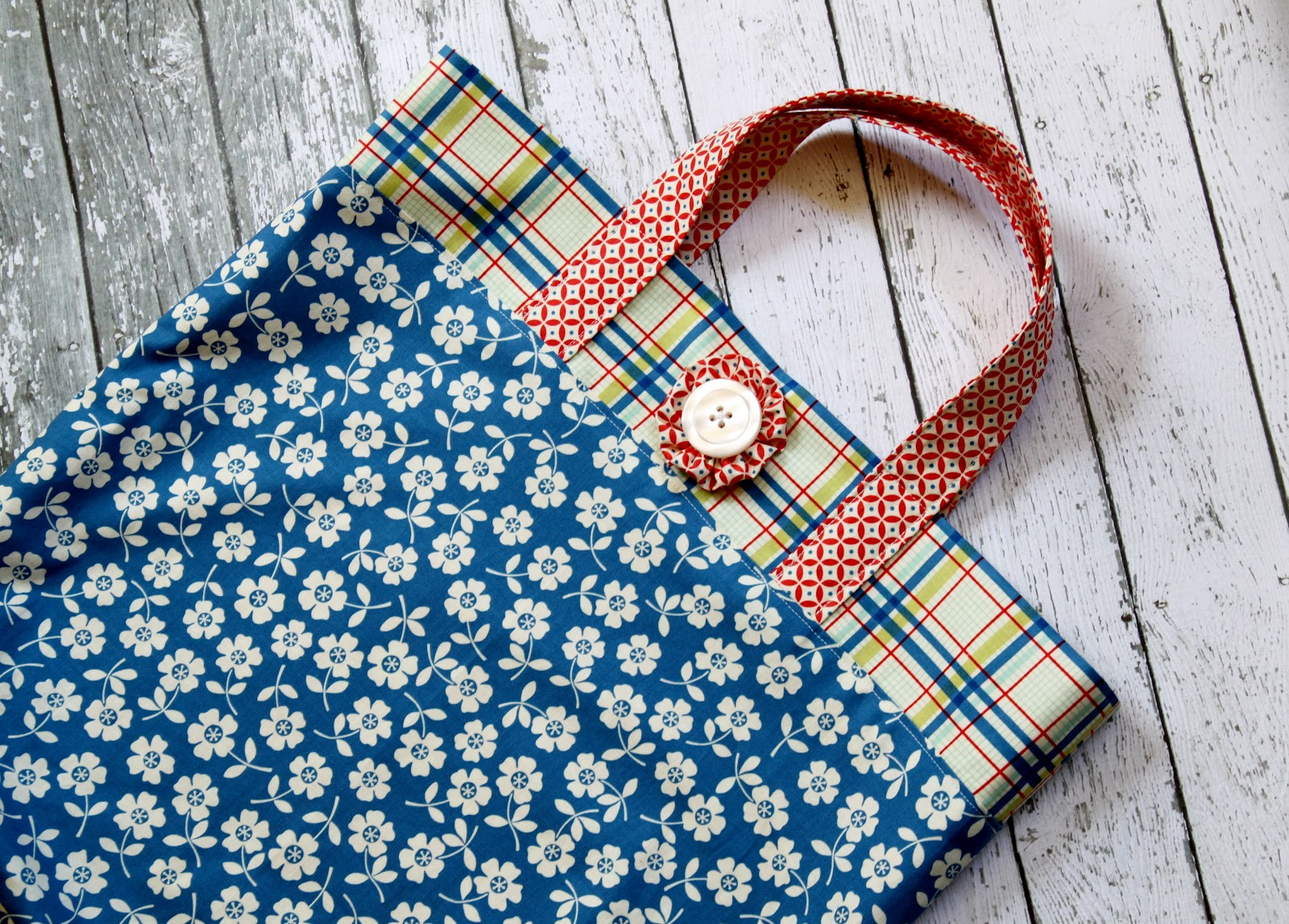 Diy Fat Quarter Projects Fat Quarter Tote Bag Tutorial The Cottage Mama