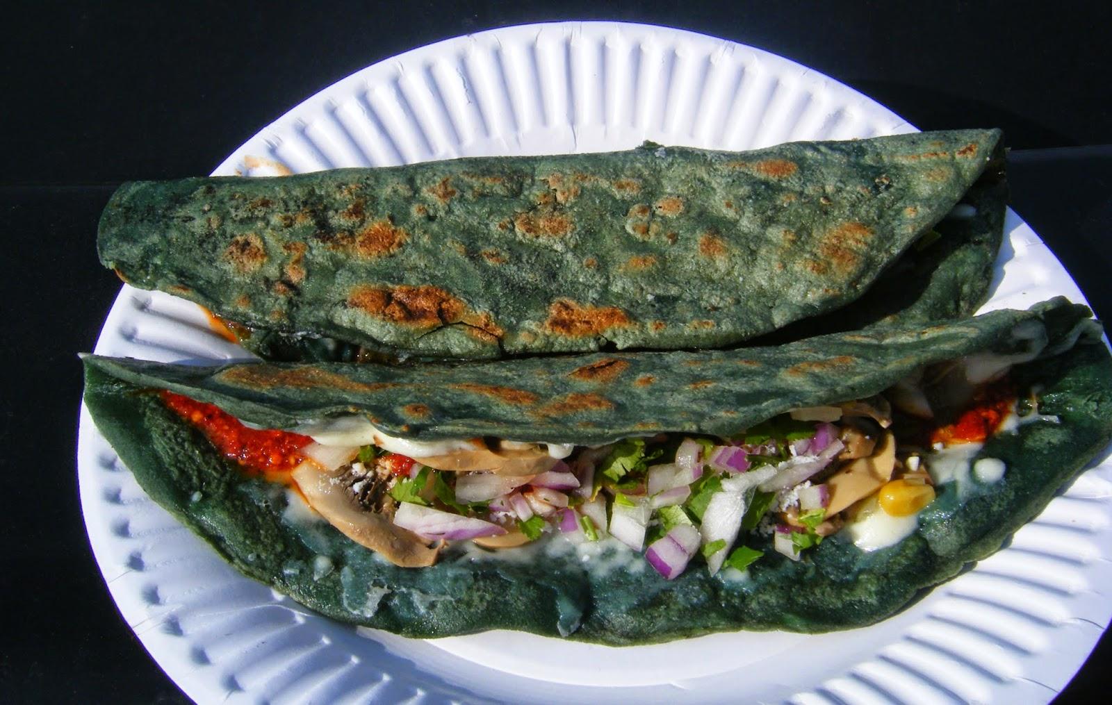 quesadillas sin queso, de la comida típica de la CDMX