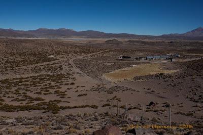 desert trekking: farmhouse and surrounding plains