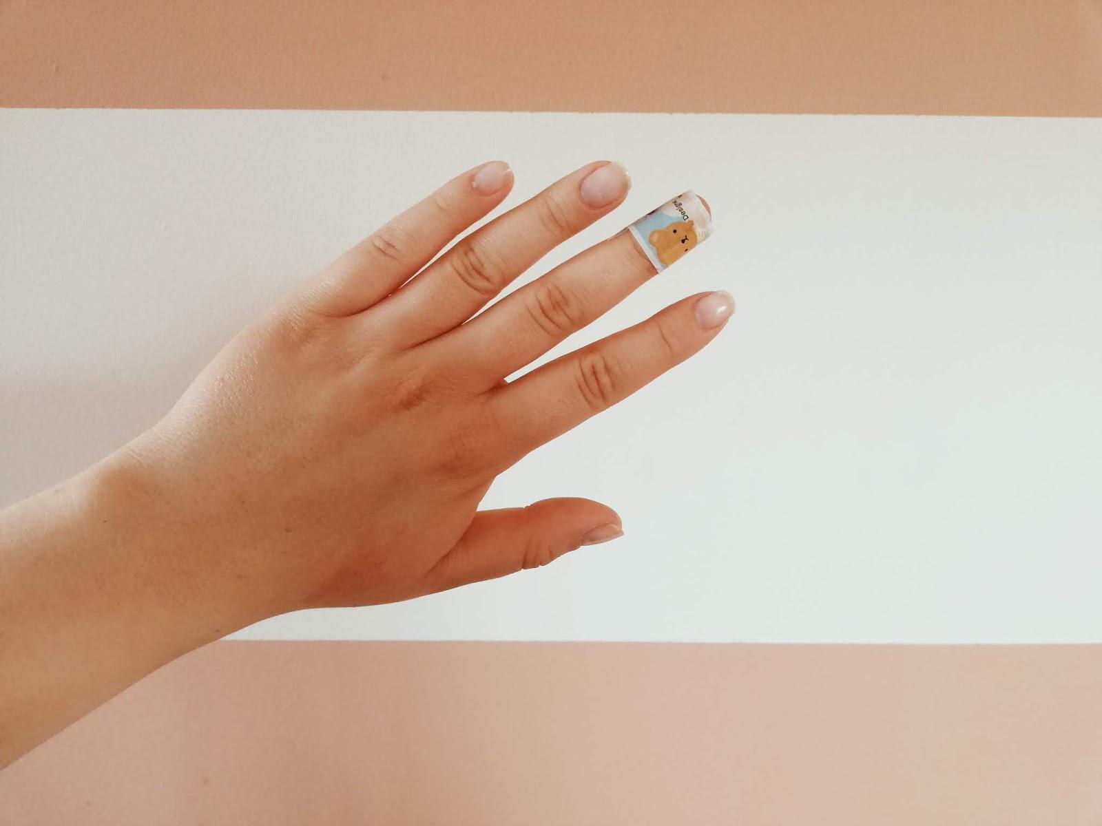paznokcie, dbam o siebie; broken nails; długie paznokcie