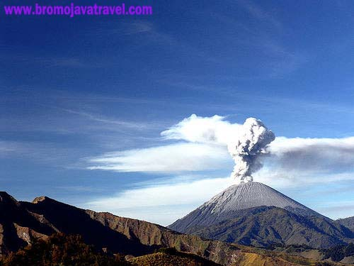 tour package of semeru mountain climbing