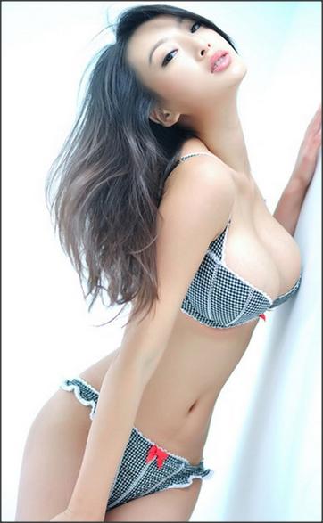 15 Model Asia Terseksi Dan Paling Hot [FOTO]