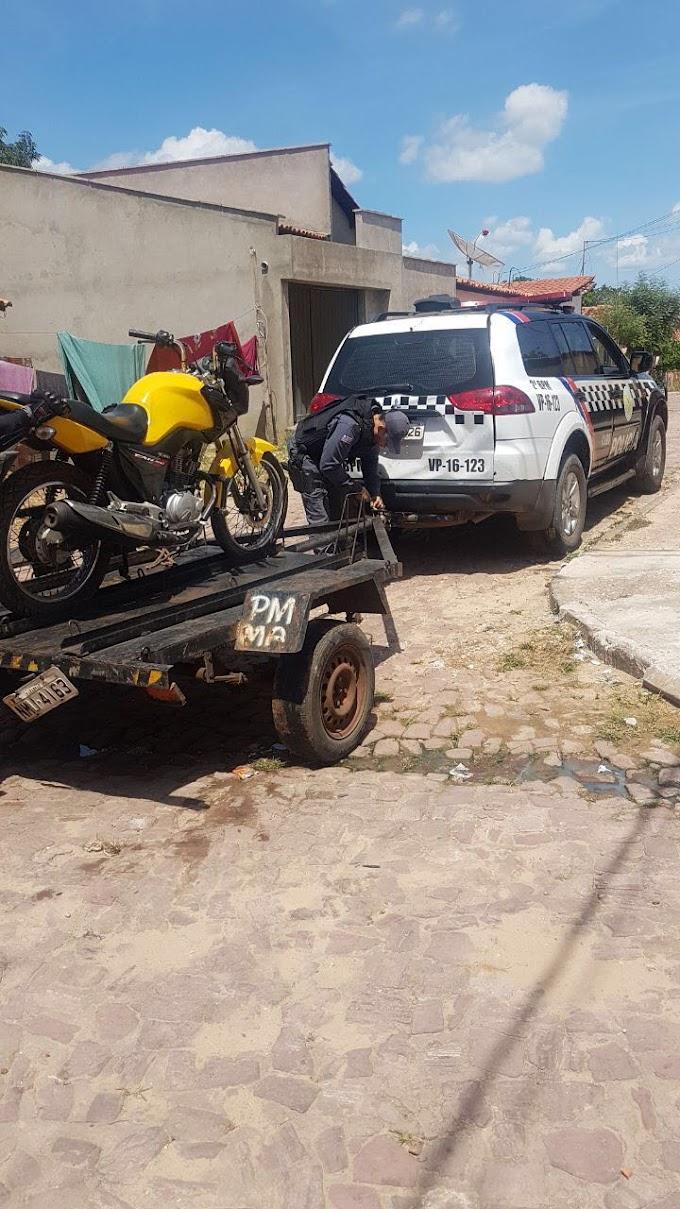 CAXIAS: Polícia Militar localiza motocicleta roubada