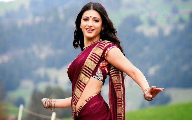 Shruti Hassan Images in Saree