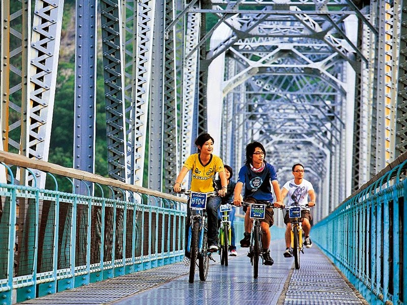 Eat, Shop and Go on Two Wheels in Taiwan