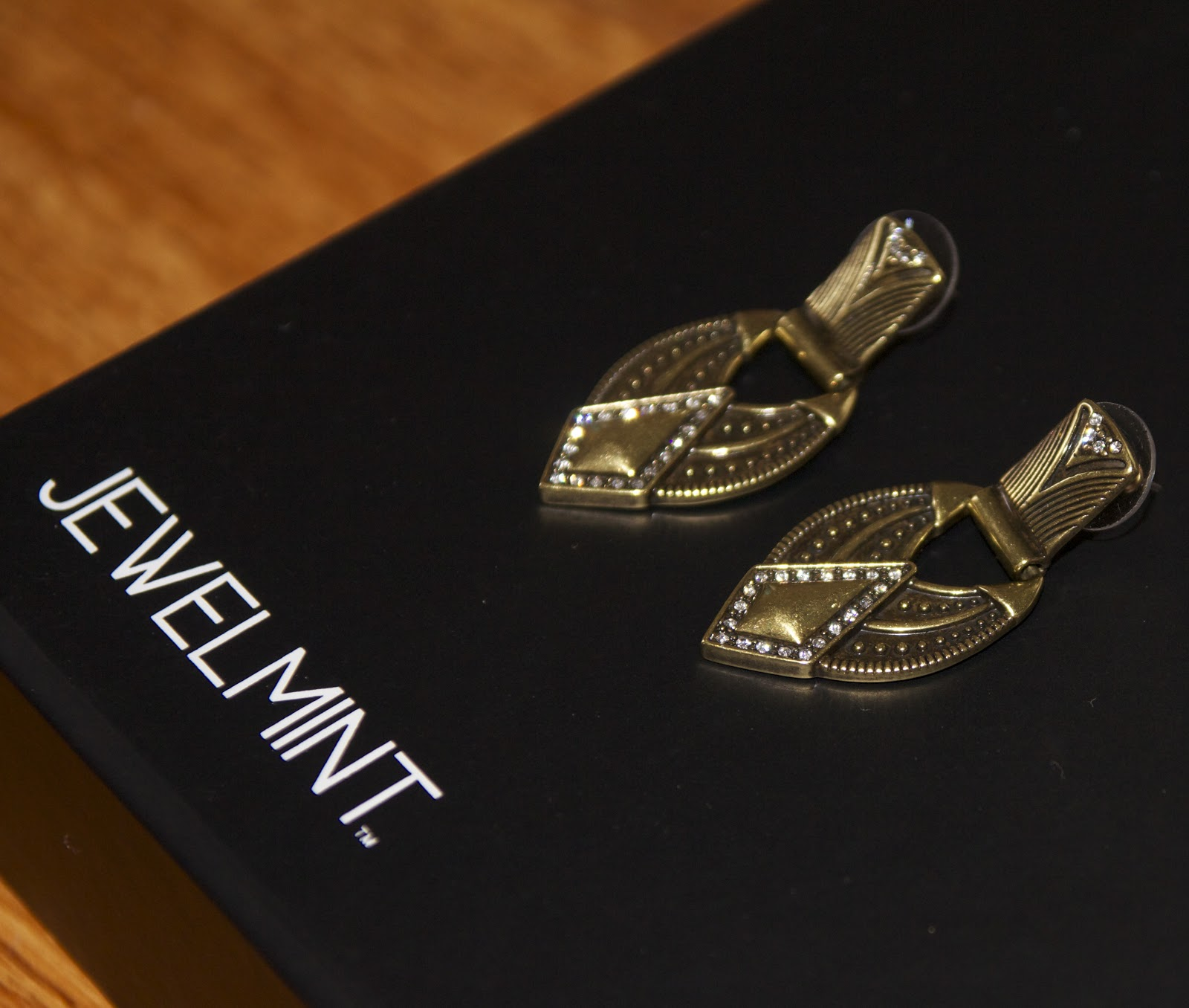 JewelMint Shopping Review: Online Costume Jewelry store
