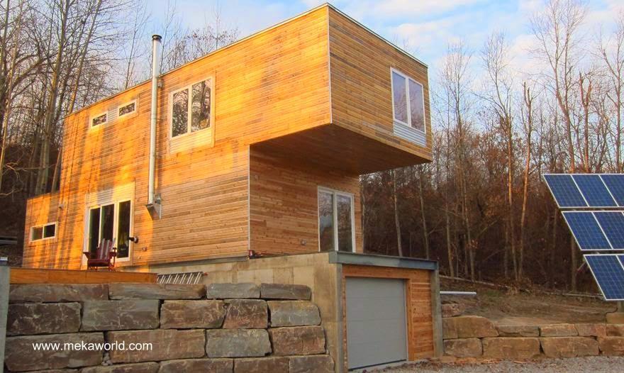 Cabaña contemporánea cubierta de madera en Canadá