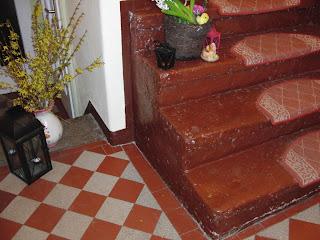 HK-Treppenrenovierung - Treppenwange bündig vor der Renovierung - Beispiel 2