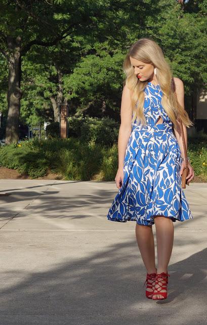 petite custom dress blogger eshakti