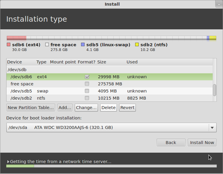 open-source construction: Linux mint 12 review: pt  1