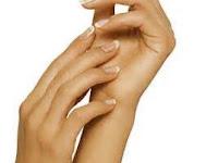 Tips Mengatasi Kulit Telapak Tangan Kering