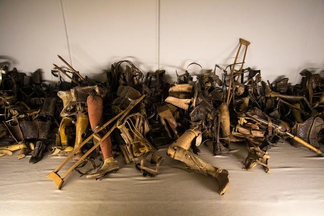 Protesi-Campo di concentramento di Auschwitz