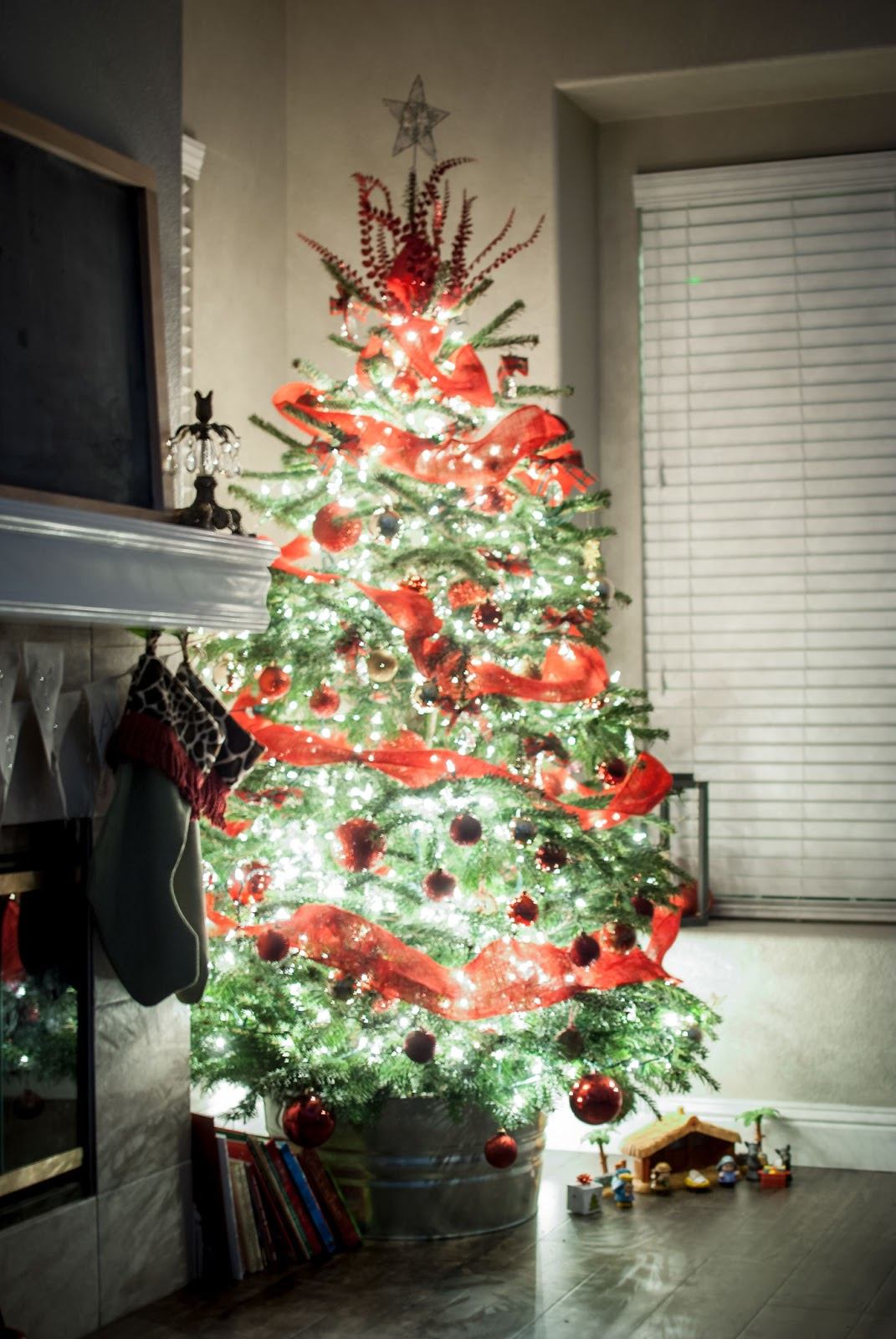 Cozy Christmas Scene 4 Tips For A Kid Friendly Christmas Tree and a Christmas Tree Decor Blog Hop