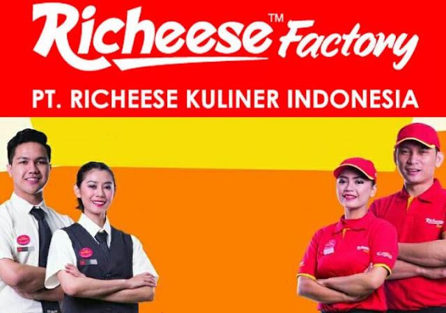 Lowongan Kerja Richeese Factory (PT. Richeese Kuliner Indonesia) Lulusan SMA, Diploma, Dan Sarjana Dengan Posisi Outlet Crew, Digital Marketing Staff, ETC