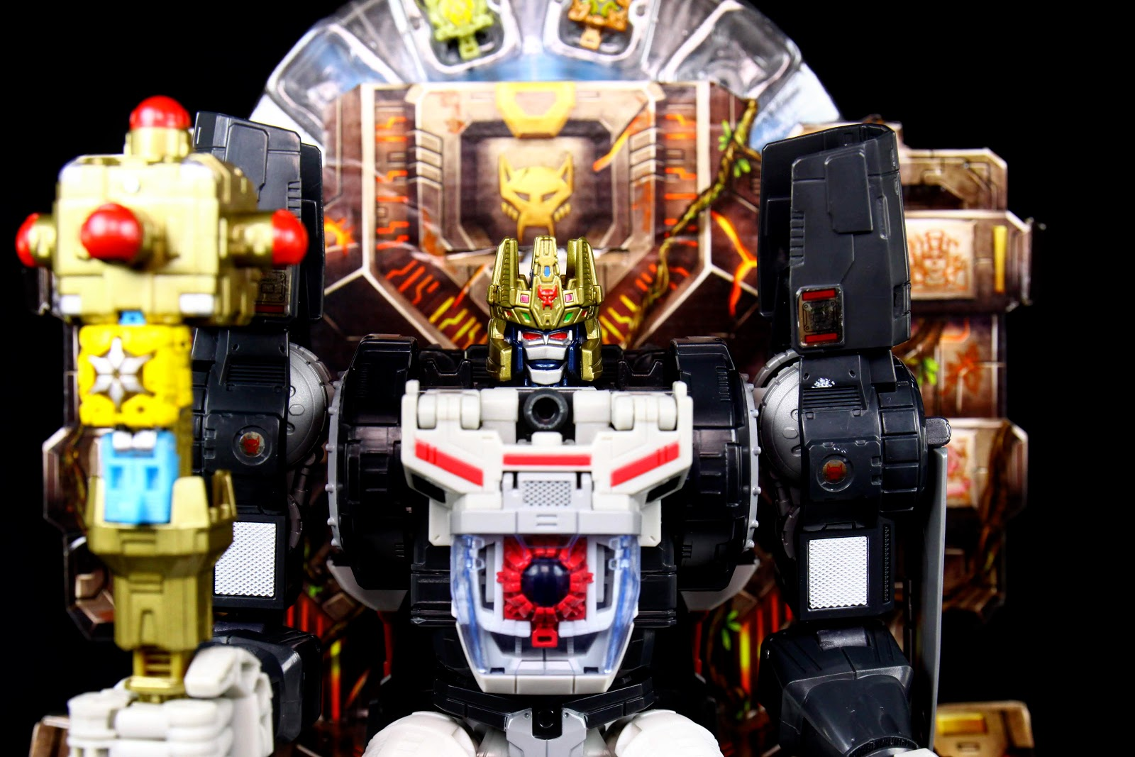Power of The Primes SDCC Exclusive Throne of the Primes