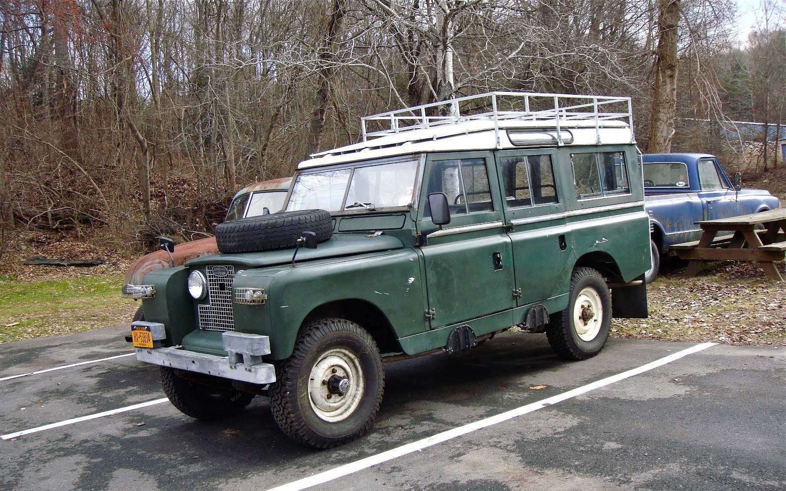 THE STREET PEEP: 1967 Land Rover Series IIa LWB Safari Roof