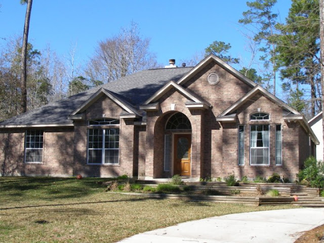 Traditional style home exterior