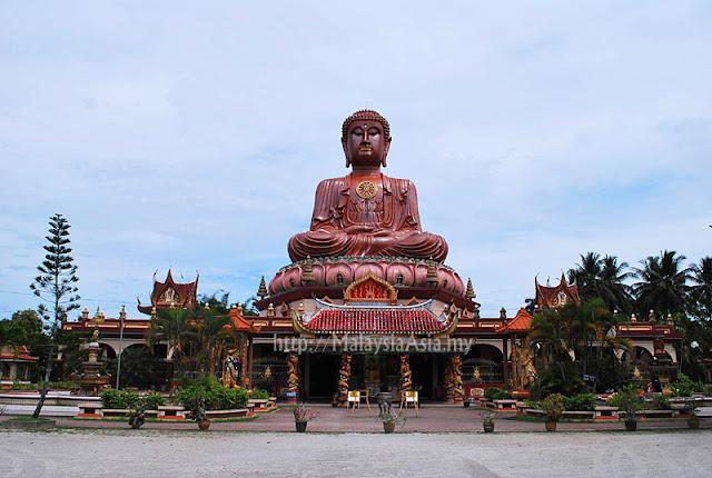 Kota Bharu Sitting Buddha Statue