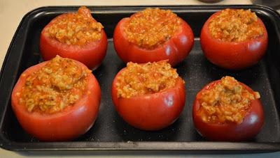 pomidory faszerowane ryżem i mięsem mielonym