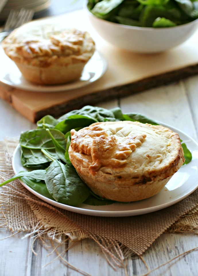 Recipe for a pot pie made with beef and Stilton cheese.