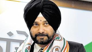 Four Punjab ministers want to sit down or his comment on CM Amarinder