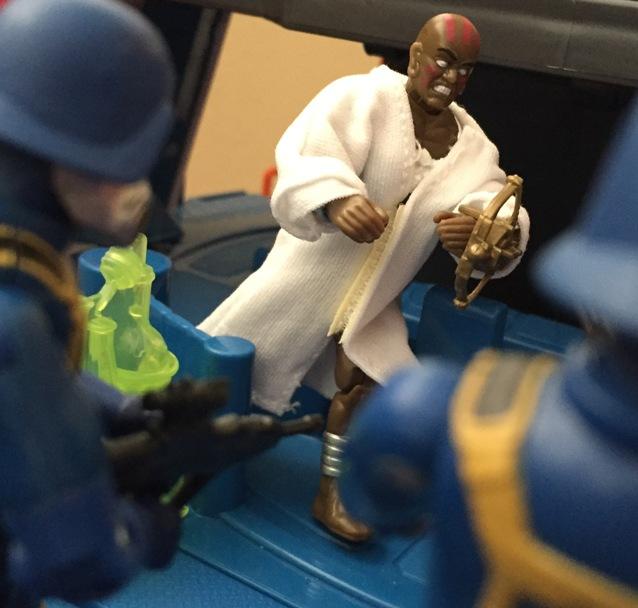 1995 Dhalsim, Street Fighter Movie, 2006 Gas Mask Trooper, Comic Pack