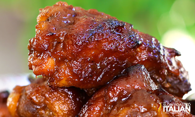 close up of crock pot chicken wings