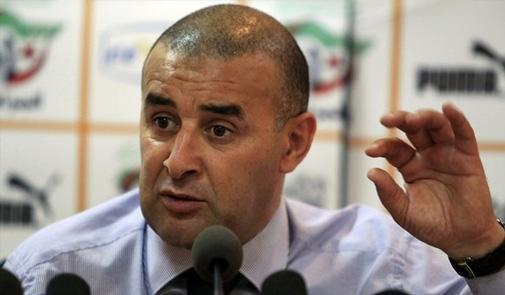 الماط يقدم مدربه الجديد عبد الحق بنشيخة لوسائل الإعلام