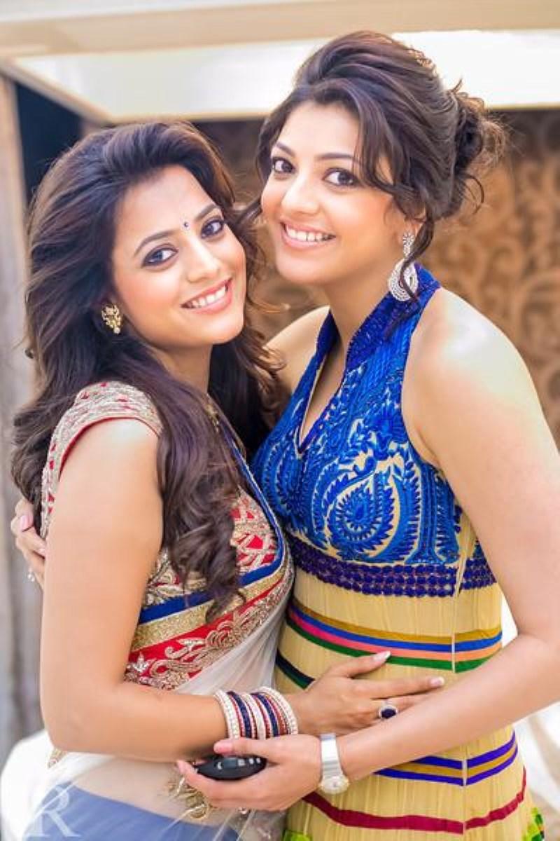 Kajal agarwal and nisha agarwal personal stills a2zsongsnews for Nisha bano husband name