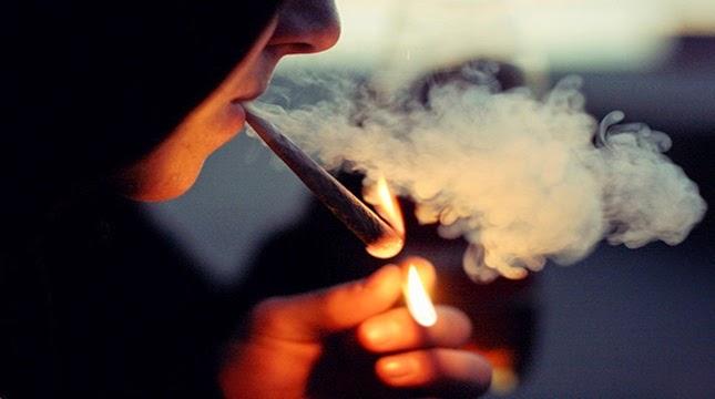 654-sigara-icen-adam1.jpg