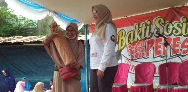 Pasukan Emak-Emak Sosialisasikan Program Prabowo-Sandi Lewat Baksos