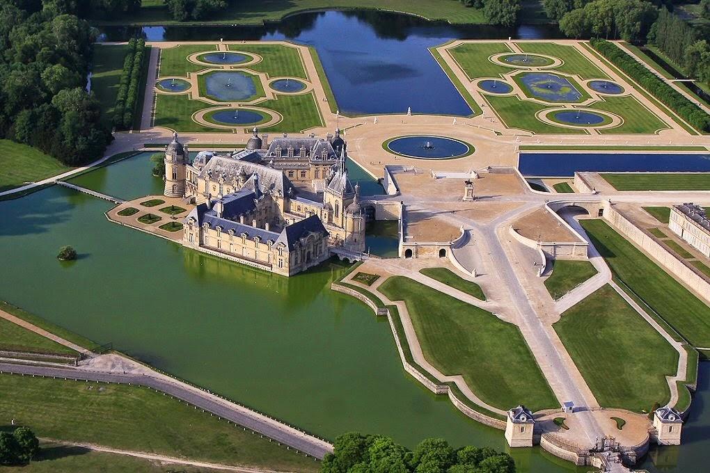 Les ch teaux royaux seigneuriaux et les villes royales for Jardin remarquable ile de france