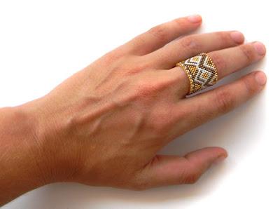 Широкое кольцо из бисера анна белоус этно украшения anabel