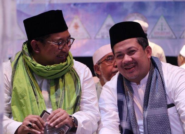 "Fahri Hamzah Tanggapi Puisi Doa Neno Warismna, ""Bener-bener Mengetuk Langit"""