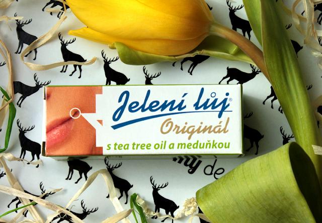 Ukoić spierzchnięte i popękane usta - recenzja pomadki Regina Kosmetika z melisą i olejkiem tea tree