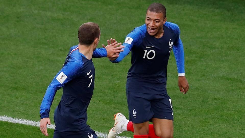 France Beat Peru, Enter Last 16