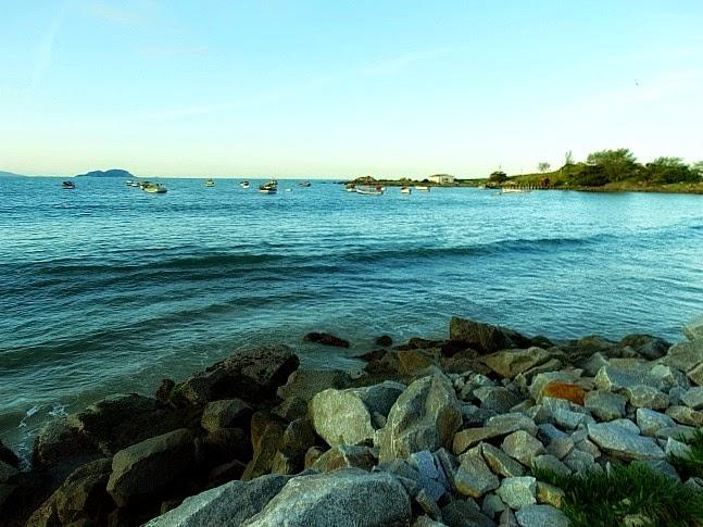 Praia da Armação, no sul da Ilha, Florianópolis
