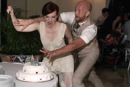 KIRST IS GETTING MARRIED   Hilarious Wedding Cake Cutting Pics Hilarious Wedding Cake Cutting Pics
