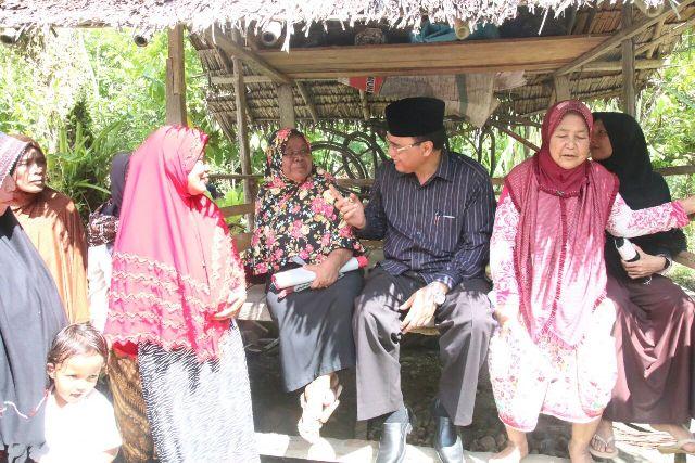 Nasaruddin Silaturrahmi dengan Warga Paya Crot Bireuen