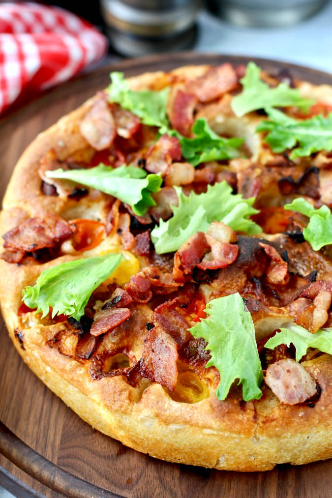 BLT Focaccia with mozzarella cheese, bacon, and cherry tomatoes #blt #focaccia