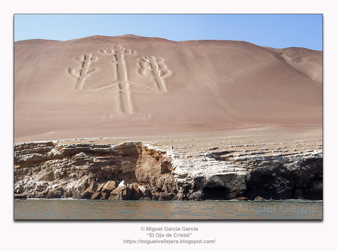 Desierto de Paracas, Pisco-Ica (Perú). El Candelabro.
