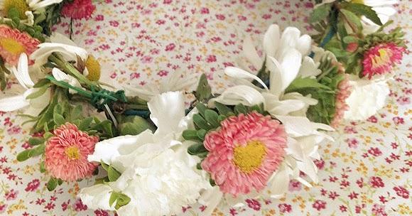 Mulheres SÃo Como Flores: O Mundo Mulher: Como Fazer: Coroa De Flores Para O Cabelo