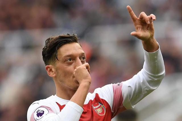 Mesut Ozil sẽ gia nhập Fenerbahce vào tháng 1 tới?