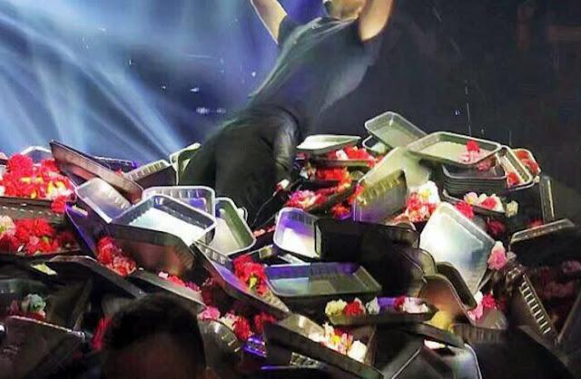 ΚΑΤΑΡΑΜΕΝΗ ΦΤΩΧΕΙΑ ! ! κρίση ?? Μεγάλη «ζημιά» ύψους 25.000 ευρω!Τον…έθαψαν στην πίστα με πανέρια από λουλούδια