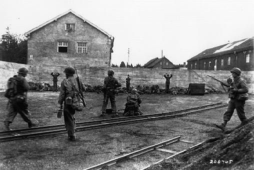 Holocaust worldwartwo.filminspector.com