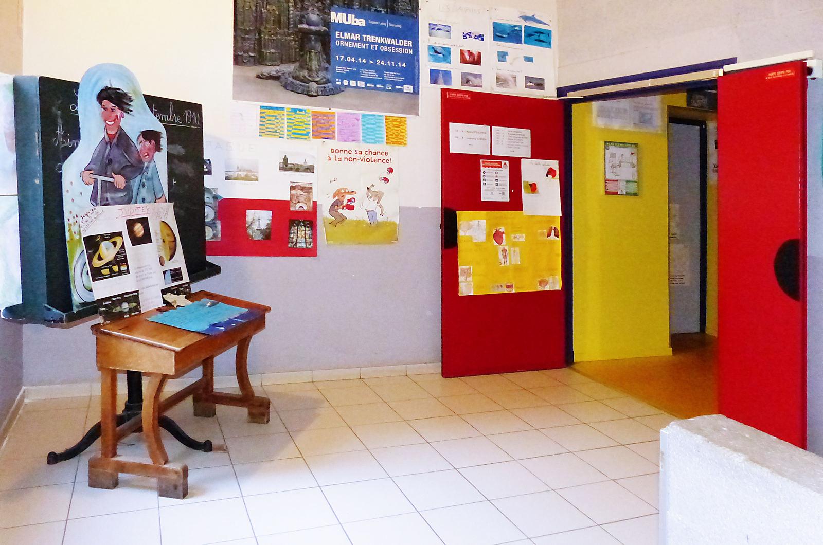 École primaire Notre Dame Immaculée, Tourcoing - Escaliers