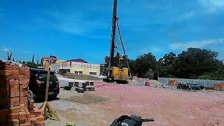 Lis Gedung Lepas Akibat Proyek Pembangunan Kantor Pajak